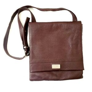 Kenneth Cole Genuine Leather Small Messenger Bag